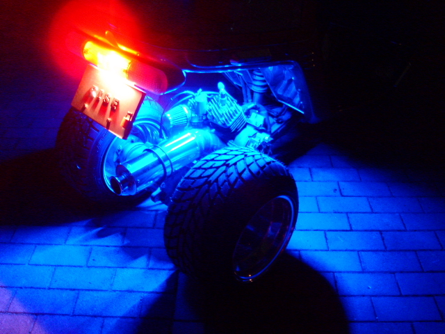 超高輝度/防水24連LEDチューブライト(ブルー発光)